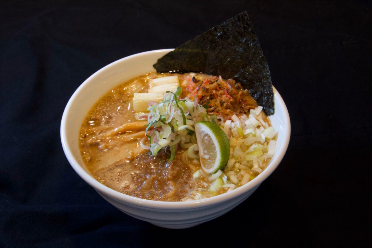 東京豚骨拉麺ばんから 2つの「極」誕生!!味噌ラーメン革命の極み「芳醇葱油味噌ラーメン」究極のジャンク「ガリマヨストロングまぜそば」