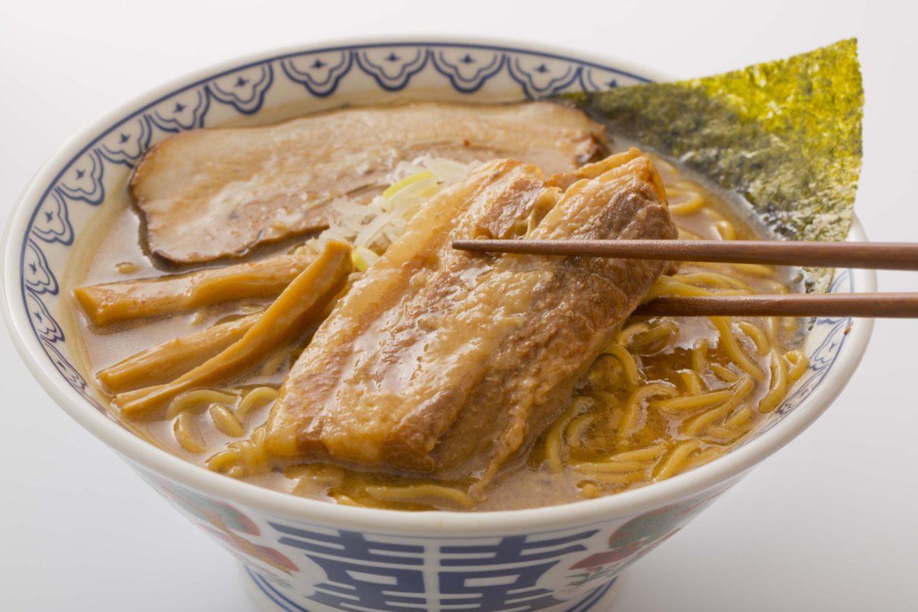 濃厚味噌が人気の「旭川味噌ラーメンばんから 富士店」が待望の新メニューを加えてリニューアル!